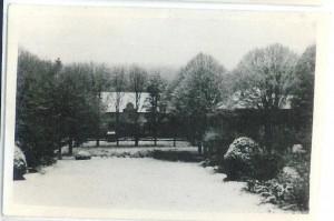 écurie sous la neige